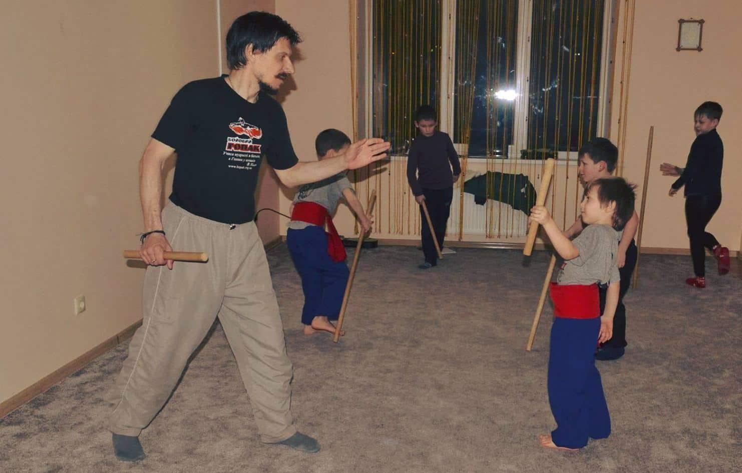 *** Бойовий Гопак традиційне українське мистецтво двобою і зброї для дітей 7-11 років Хмельницький ***