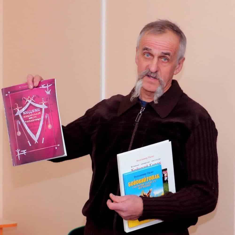 *** Хмельницький - альтернативна школа - вчитель Куць Іван Олексійович - навчання дітей по унікальним методикам математика ***